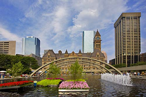 Toronto Nathan Phillips Square and Old City Hall